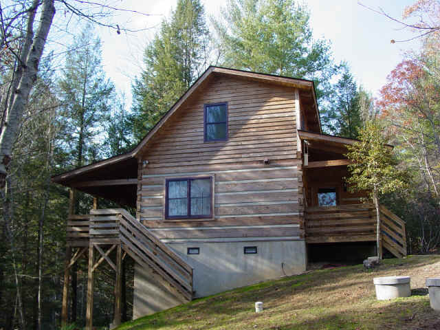 Creekside overlook vacation rental cabin at fall creek for Cabin rentals near blowing rock nc